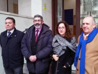 El secretario general de CESM junto a los responsables de sindicato y colegio de médicos de Ceuta