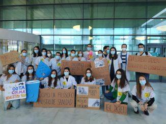 Manifestantes en la huelga del 27 de octubre
