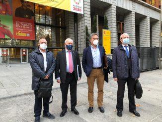 Los cuatro representantes de los foros de Medicina y Enfermería.