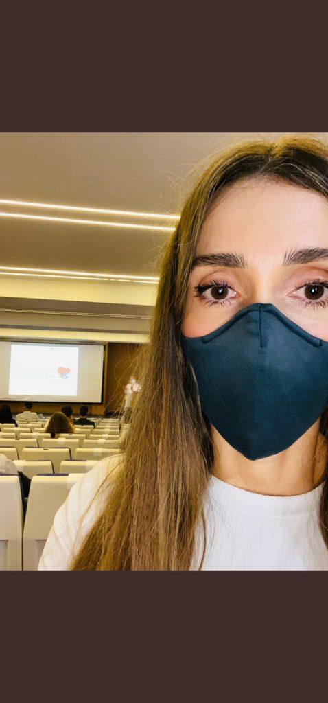 Sheila Justo en una de las charlas en los centros madrileños.