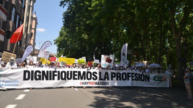 Manifestación de médicos en defensa de la profesión.
