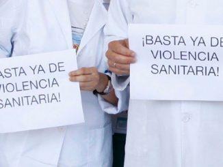 Manifestación contra la violencia sanitaria en Ceuta.